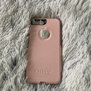 iPhone 7+ Otterbox phone case